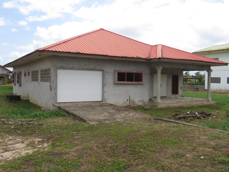 Parbatie Bhoendieweg br. 17 - Suriname - Terzol Vastgoed NV 03